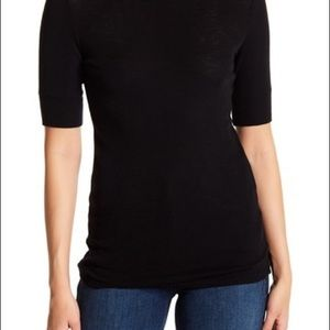 Vince black wool short Sleeve Crew Neck Tee. Lg.